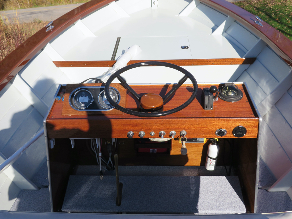 Chris Craft Cavalier Dory Console VaVay